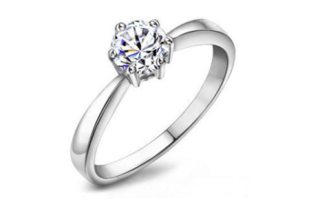 Silver-Solitaire-Engagement-Ring-with-Austrian-Swarovski