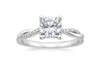 Twisted-Vine-Engagement-Ring-with-Princess-Cut-Diamonds